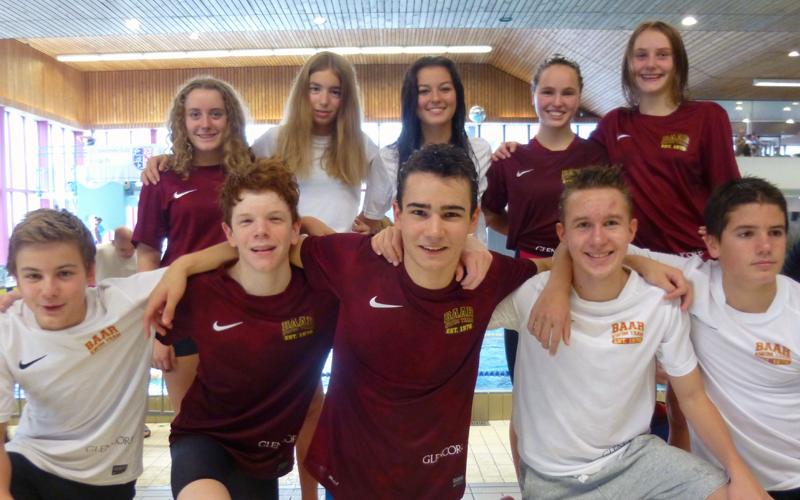 Teambewerb beflügelt Baarer Schwimmer