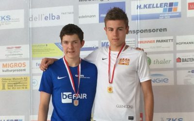 Wichtige Wettkampferfahrungen für die Jüngsten, Limitenjagd für die Älteren Baarer Schwimmer